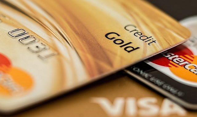 ING ar trebui să restituie şi taxele de administrare a conturilor curente şi cardurilor