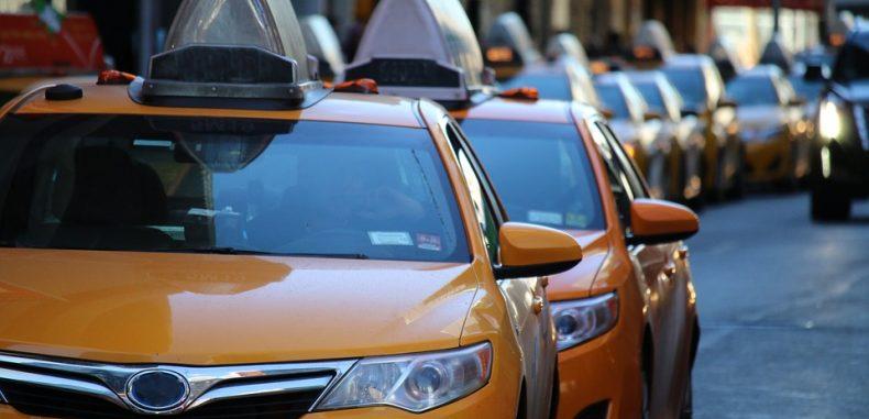 Cum să plăteşti o cursă cu taxiul cât nu face